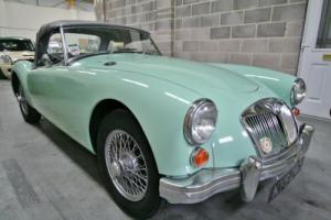 MGA Roadster  Photo