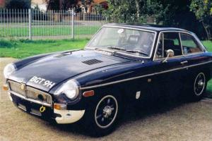 1972 LEFT HAND DRIVE MGB GT, BY CARLOW ENGINEERING MIDNIGHT BLUE