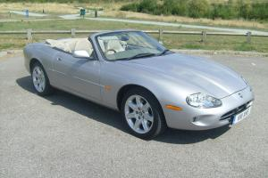 JAGUAR XK8 CONVERTIBLE 4.0 V8 2000