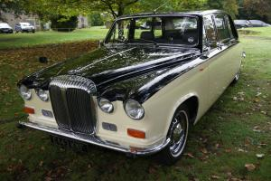 Daimler DS420 7 Seater Limousine  Photo