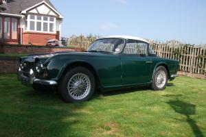 TRIUMPH TR4 GREEN 1964  Photo