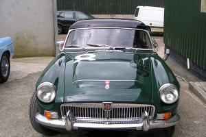 CLASSIC CAR MGC CONVERTIBLE 1969 BRITISH RACING GREEN LEFT HAND DRIVE MANUAL