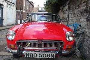 MGB ROADSTER (FRESH RESPRAY)  Photo