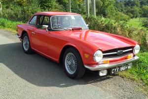 TRIUMPH TR6 RED HARD TOP INCLUDED