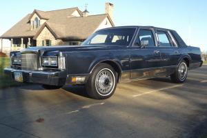 1988 Lincoln Town Car Signature Series Family Owned Since New!