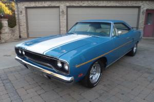 1970 PLYMOUTH ROADRUNNER / 383 WITH A 4 SPEED !