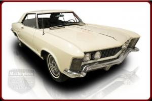 63 Buick Riviera 401ci Wildcat V8 Automatic White / Black