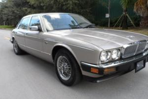 null XJ6 VANDEN PLAS Photo