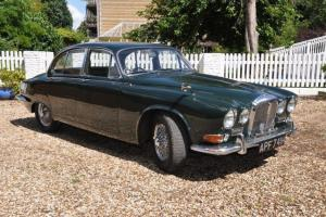 1969 DAIMLER SOVEREIGN 420 - BRITISH RACING GREEN
