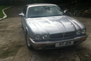 2001 DAIMLER V8 LWB ONLY 20000MILES  Photo