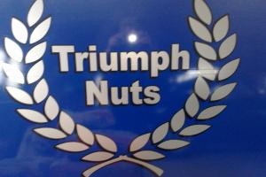 TRIUMPH NUTS CLASSIC CAR RESTORATION BUSSINESS