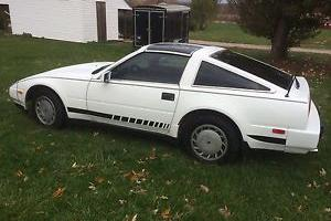 1988 NISSAN 300ZX 6 cylinder LOOKS GOOD RUNS GOOD T TOPS 5Speed