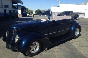 1937 Ford Club Cabriolet Convertible  V8 Chevy 454 big block Hot Rod all steel