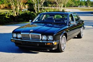 Absolutly stunning 1988 Jaguar XJ6 low miles no issues dayton wire wheels mint Photo