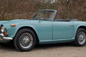 1966 TRIUMPH TR4A IRS BLUE  Photo