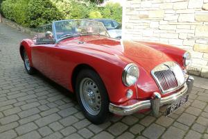 MGA TWIN CAM ROADSTER 1959 ORIGINAL UK CAR FULLY RESTORED OUTSTANDING CONDITION  Photo