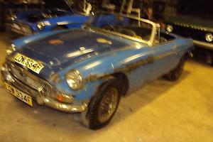 1968 MGC ROADSTER,VERY ORIGINAL/SOLID AND COMPLETE FOR RESTORATION,2 REG OWNERS  Photo