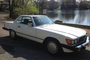 MERCEDES BENZ 560 SL CONVERTIBLE HARD TOP SHOWROOM MINT LOW MILES  MUST SEE NEW