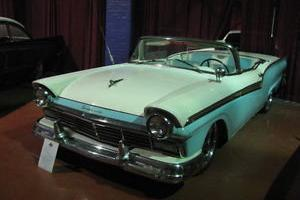 1957 Ford Fairlane convertible NO ROOF MECHANISM