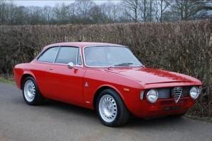 Alfa Romeo Giulia SPRINT BERTONE GTA EVOCAZIONE PETROL MANUAL 1968/G  Photo