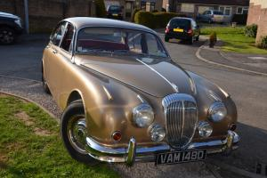 1966 DAIMLER V8 GOLD  Photo