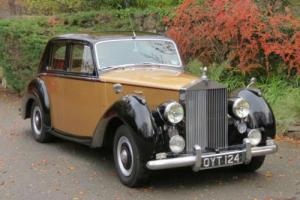 1954 Rolls-Royce Silver Dawn Automatic Saloon SRH28  Photo