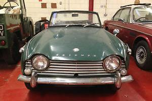 TRIUMPH TR4a IRS 1968 BARN FIND VERY NICE RUNS AND DRIVES EXC RESTORATION CAR  Photo