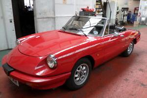 1990 ALFA ROMEO SPIDER RED