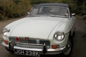 MGB Roadster,1971, Glacier white, Exceptional car.  Photo