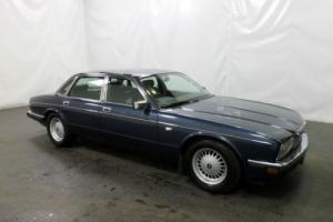 CLASSIC 1988 DAIMLER 3.6 AUTOMATIC 4 DOOR SALOON MPH/KMH 220 BHP FINANCE PX  Photo