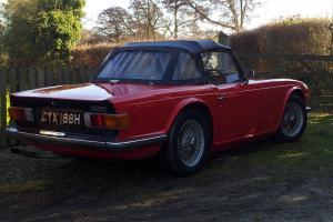 TRIUMPH TR6 RED WITH HARD TOP  Photo