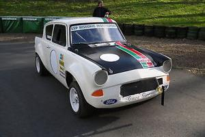 Ford Anglia Race