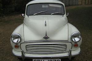 MORRIS MINOR 1000 WHITE TRAVELLER