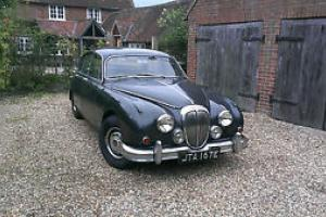 DAIMLER JAGUAR MK2 V8 250 GREEN  Photo