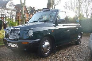 TX1 Taxi Dark Green  Photo