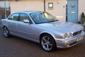 2004 JAGUAR (X350) XJ6 V6 SE AUTO PLATINUM SILVER BARLEY LEATHER Photo