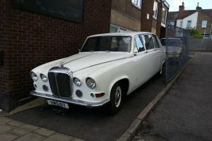 DAIMLER DS420 LIMOUSINE WEDDING CAR Photo