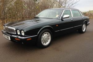 1998 daimler v8 lwb 1 owner from new 29,000mls full jaguar service history Photo
