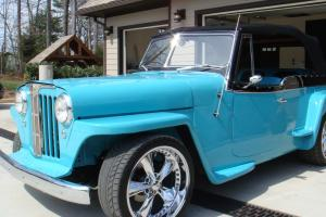 Willys : Jeepster custom interior