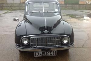 Morris Minor low-light split screen.very good original condition and very solid.