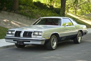 Oldsmobile : Cutlass coupe