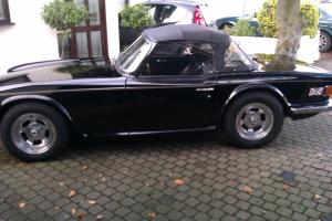 TRIUMPH TR6 BLACK Photo