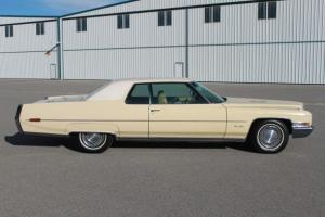 Beautiful Original 1971 Cadillac Deville .