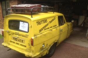 Reliant Del Boy Van Exact Replica