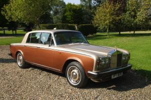 RED BADGE ROLLS-ROYCE SILVER SHADOW 11