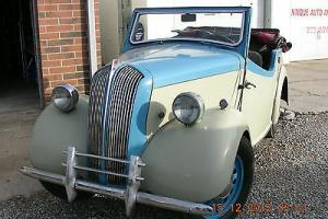 1947 STANDARD VANGUARD TRIUMPH 8-4 DROP-HEAD COUPE Photo