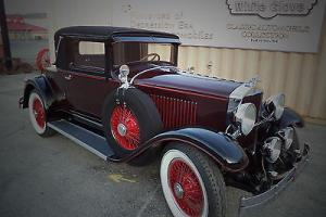 1928 Hupmobile 3 Window Couple