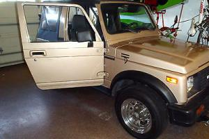88 Suziki Samurai JS 4 cyl. New Canvas Top Excellend condition!