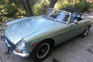 MG: MGB CONVERTIBLE ROADSTER 1972 with DESIRABLE HARDTOP / NO RESERVE