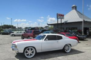 1972 chevelle SS ~Clone ~95% Restored~~1 of a kind~~White Red stripes~~Hurst ~~